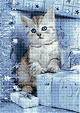 Kätzchen unterm Weihnachtsbaum
