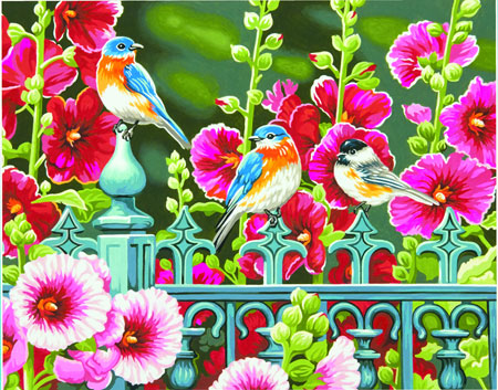Stockrosenzaun mit bunten Vögeln