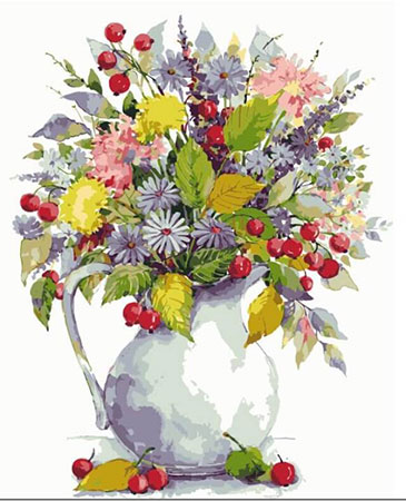 Wildblumenbouquet mit Beeren